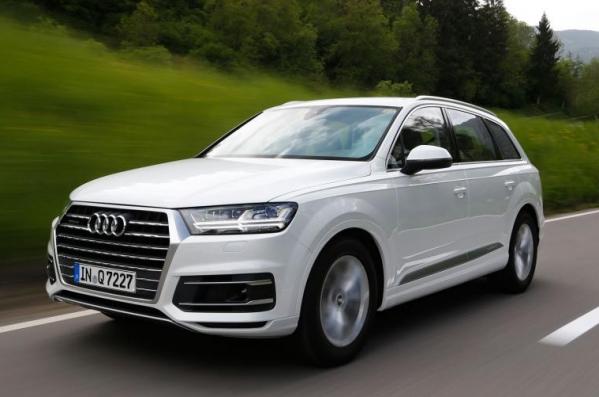 https://www.whatcar.lv/cars/Audi/Q7/1452165477-audi-q7-drive-2015-006.jpg