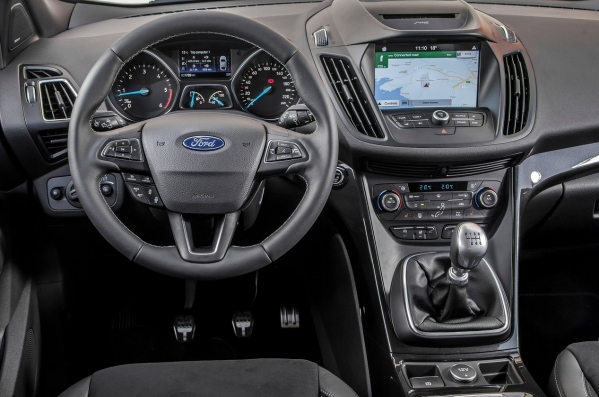 https://www.whatcar.lv/cars/Ford/Kuga/1484123286-Ford-Kuga-2017-1280-67.jpg