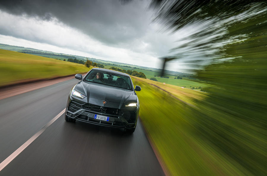 https://www.whatcar.lv/cars/Lamborghini/Urus/e48c62a610209350858033a3d0202b91.jpg