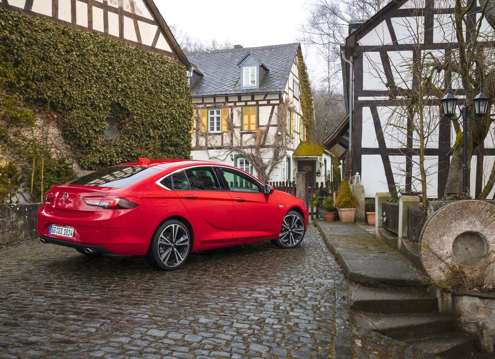 https://www.whatcar.lv/cars/Opel/Insignia Grand Sport/905a303277db467243212735c47cd9ba.jpg