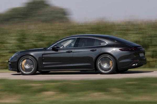 https://www.whatcar.lv/cars/Porsche/Panamera/1487577738-Porsche-Panamera-2017-1280-28.jpg