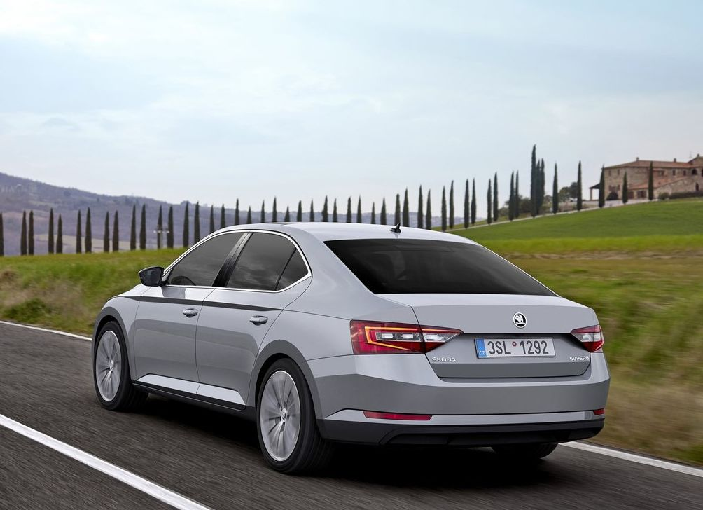 https://www.whatcar.lv/cars/Skoda/Superb/a1173210d280f9dafca8b0052bcf2f6a.jpg