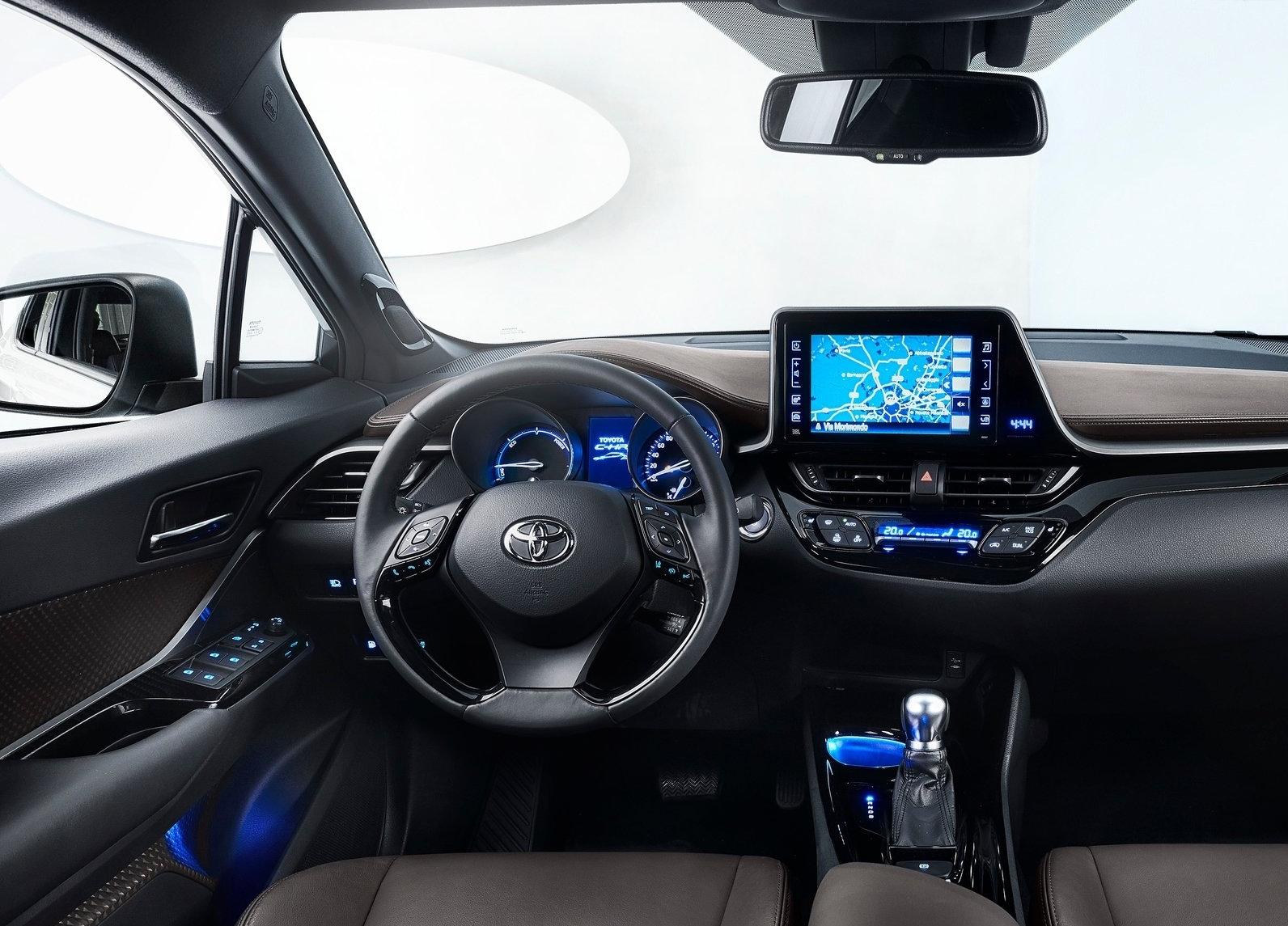 https://www.whatcar.lv/cars/Toyota/C-HR/332f8ba6cf15cc56649e4ac5bd09221a.jpg