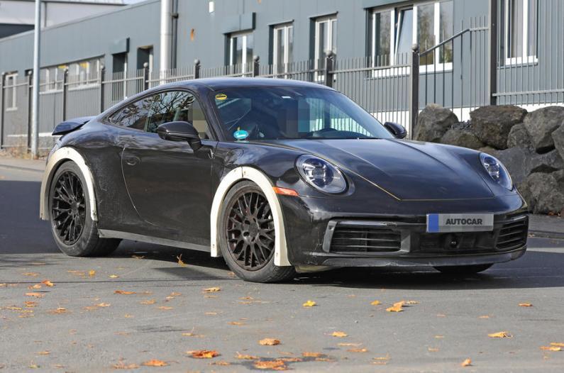 Ielās pamanīts paaugstināts Porsche 991