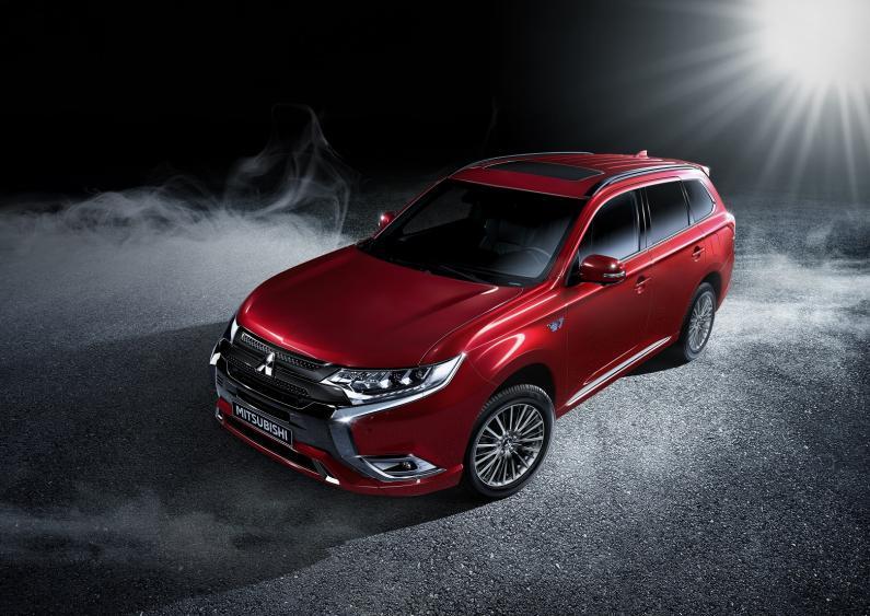 Ielūdzam uz Mitsubishi krosoveru testa braucienu!