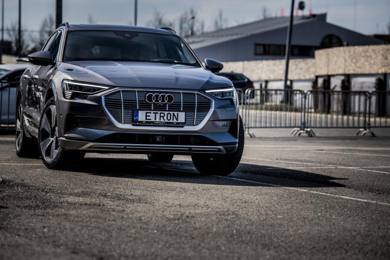 Audi e-tron un elektroauto tirgus Latvijā
