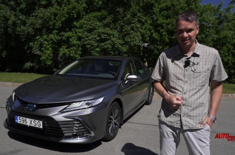 Toyota Camry pirmais brauciens