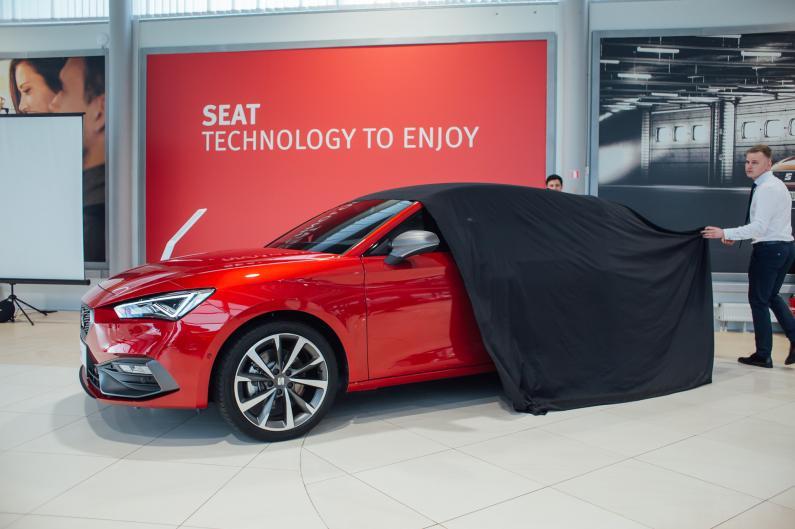 Latvijā prezentēts jaunais SEAT Leon