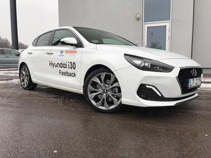 Hyundai i30 Fastback: pirmie iespaidi