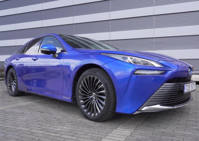 Toyota Mirai testa brauciens