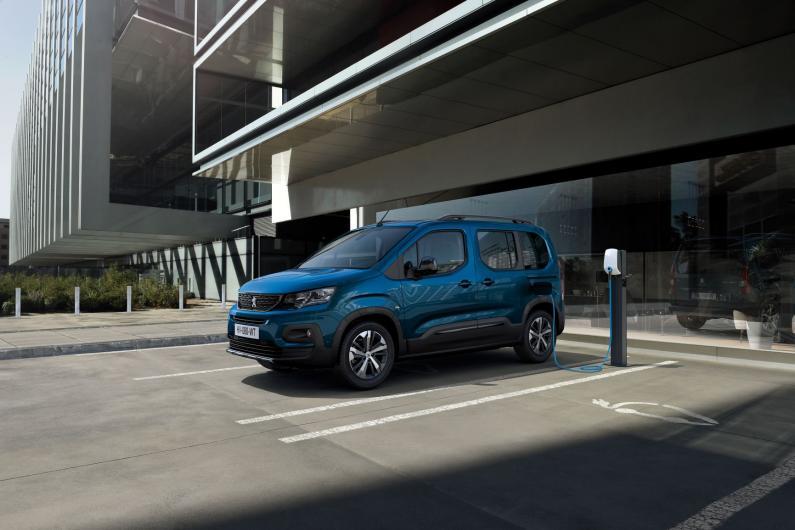 Peugeot elektrisko automobiļu plašo klāstu papildina e-Rifter