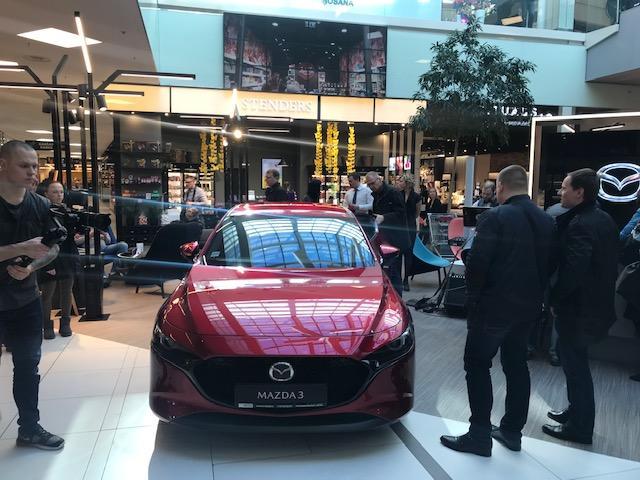 Mazda3 jaunākās paaudzes modelis jau nopērkams Latvijā