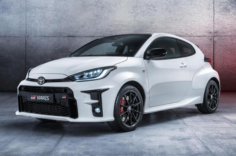 Toyota prezentē 260 ZS jaudīgo GR Yaris ar pilnpiedziņu