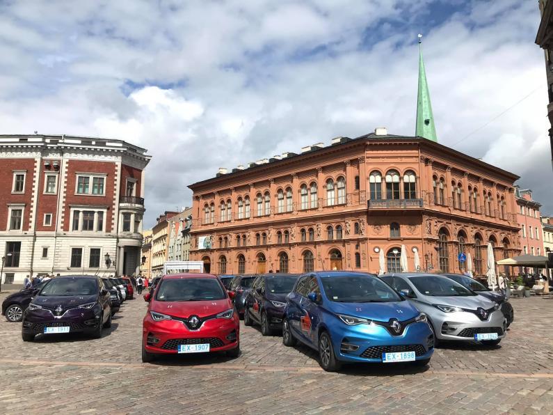 Ar 2,4 miljonu eiro finansējumu Fiqsy iegādājas 100 Renault Zoe elektroauto