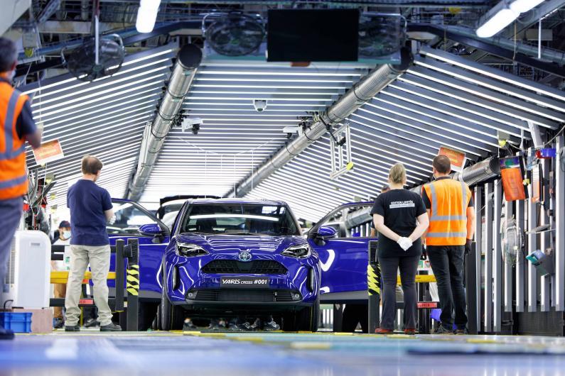 Toyota uzsākusi jaunā kompaktā SUV Yaris Cross ražošanu